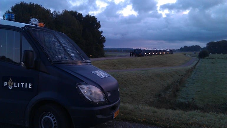 Illegal rave in Zeeland of 400 men stopped by police this morning